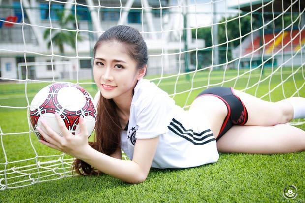 Thùy Dương tin tưởng tuyển Đức vô địch World Cup 2018.