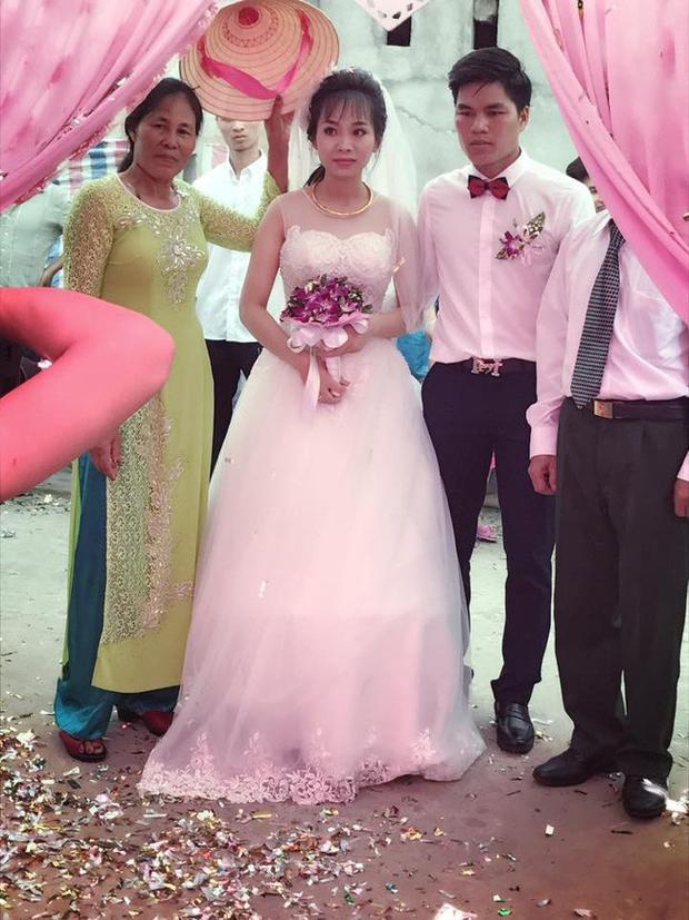 Hình ảnh trong đám cưới nổi tiếng Thanh Hóa bởi món quà mừng đặc biệt.