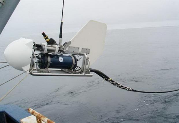 Khi cáp biển đứt, việc xử lý được giao cho những con tàu đặc biệt. Chỉ tính riêng Đại Tây Dương, mỗi năm cáp đứt ít nhất 50 lần, theo số liệu của MIT Tech Review. Thông thường, tàu sửa chữa sẽ kéo đoạn cáp đứt lên khỏi mặt nước, nối lại và thả xuống biển.