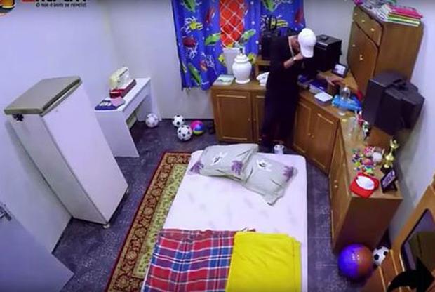 Neymar khóc khi chứng kiến căn phòng thời thơ ấu.