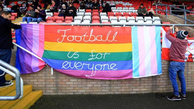 LGBT sẽ bị sờ gáy nếu ôm hôn tại World Cup 2018 được tổ chức ở Nga?