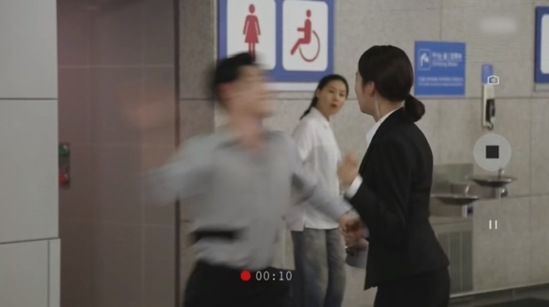 Nhà sản xuất 'Are You Human, Too?' xin lỗi vì cú tát trời giáng khiến nữ chính mất thính lực tạm thời