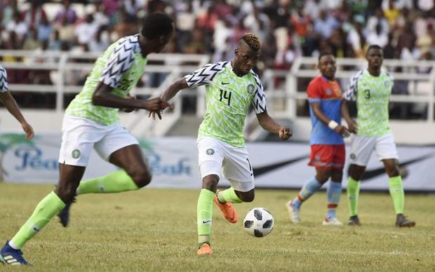 """Chiếc áo đấu của đội tuyển Nigeria khiến nhiều tín đồ thời trang """"điên đảo"""""""