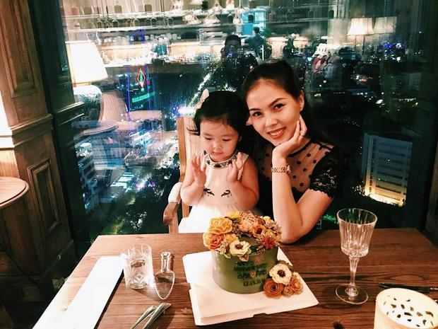 Cuộc sống hạnh phúc với vợ đẹp, con xinh của người mẫu Cao Lâm Viên