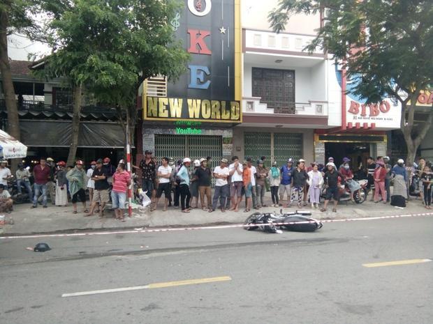 Xe máy va chạm với xe trộn bê tông, bé trai 8 tuổi tử vong, mẹ và em bị thương