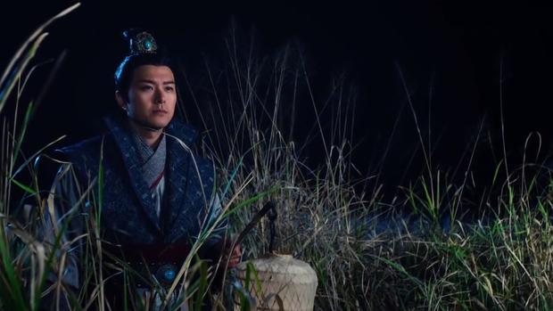 Thấy Nguyên Nguyệt khóc lóc thương tâm vì sự ra đi của tỷ tỷ , Hà Li chỉ biết từ xa đứng dõi theo