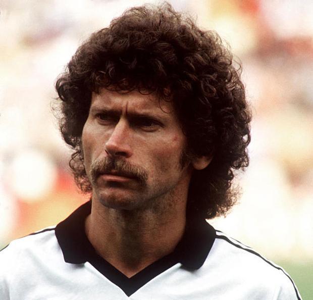 7. Paul Breitner - ĐT Tây Đức: World Cup 1982.