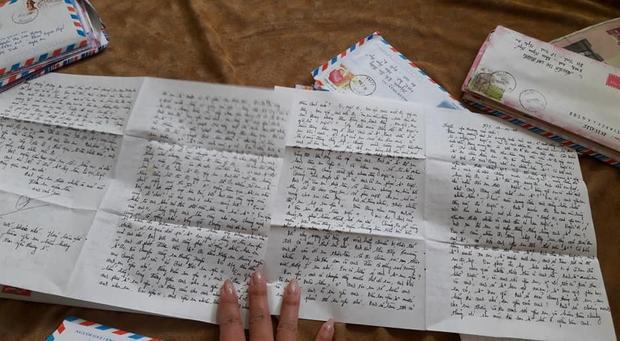 Những bức thư tay là báu vật vô giá minh chứng cho tình yêu của cả hai.