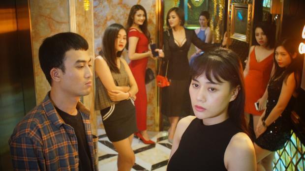 """Phương Oanh thủ vai chính trong phim truyền hình đề tài mại dâm """"Quỳnh búp bê""""."""