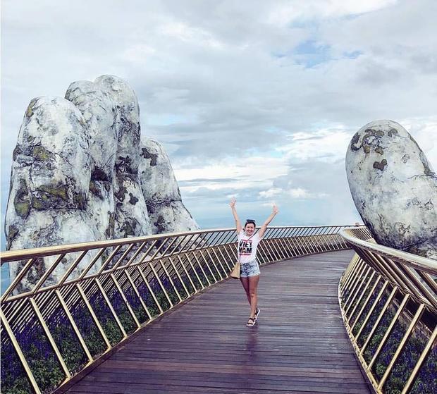 Xuất hiện cây cầu với đôi bàn tay khổng lồ siêu ấn tượng ở Đà Nẵng!