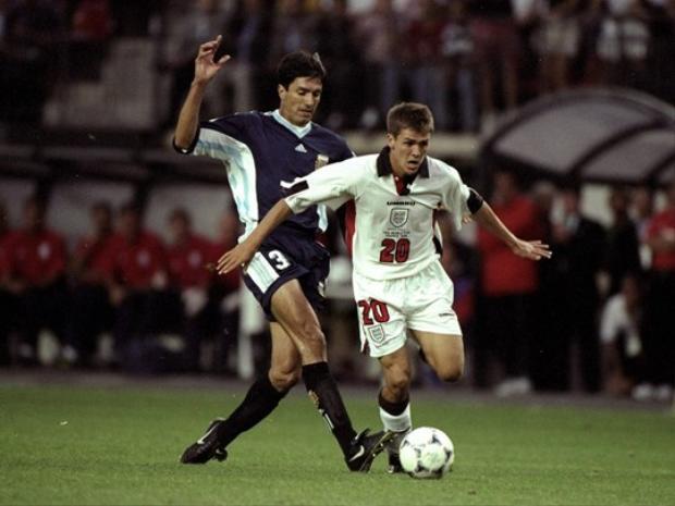 2 đội đã có màn rượt đuổi tỷ số nghẹt thở với nhân vật chính là Owen bằng 2 bàn thắng gần giống Maradona tại World Cup 1986