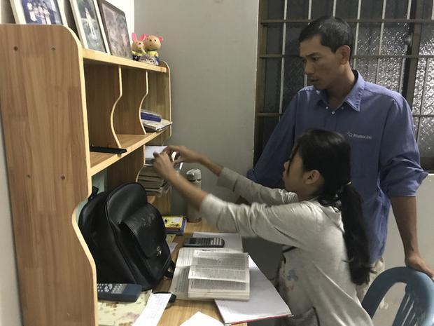 Anh Kim Thái và con gái sau giờ làm - Ảnh: K.T