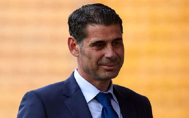 Cương vị mới nhất Hierro nắm giữ trước khi trở thành HLV tạm quyền đội tuyển Tây Ban Nha là chức Giám đốc thể thao liên đoàn bóng đá Tây Ban Nha