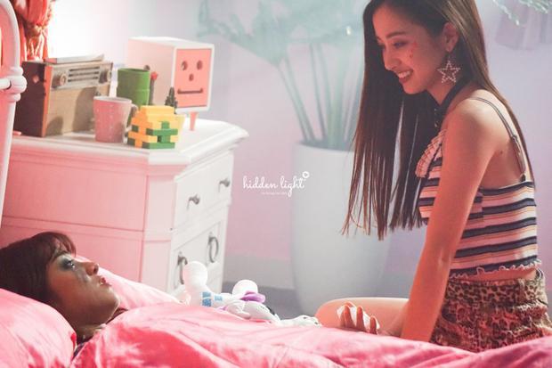 Hình ảnh hậu trường từ No Boyfriend được công bố.