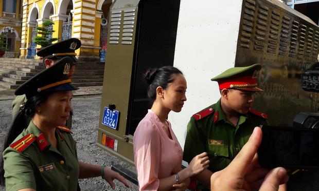 Hoa hậu Phương Nga trong lần ra tòa. Ảnh: Tuổi trẻ.