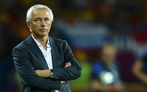 HLV Bert van Marwijk bị sa thải với lý do không tưởng.