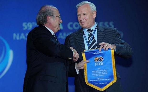 Ông Koloskov có quan hệ khá thân thiết với cựu chủ tịch FIFA Sepp Blatter và đã tác động không nhỏ đến người đứng đầu cơ quan quyền lực nhất thế giới bóng đá lúc đó.