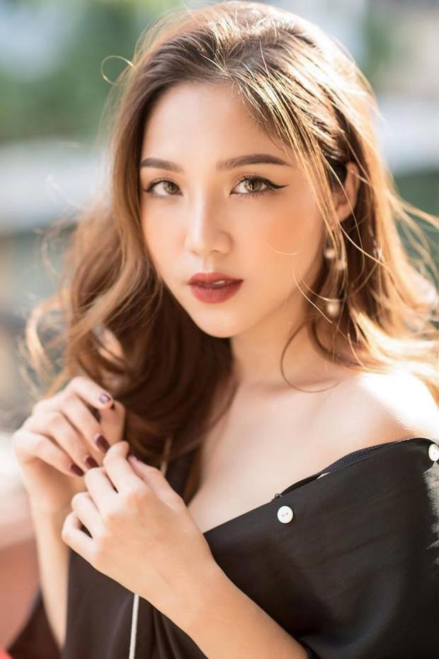 """Khi còn đang theo học tại THPT Việt Đức, Ngọc Linh đã là một trong những học sinh tài sắc, được mệnh danh là """"hot girl""""."""