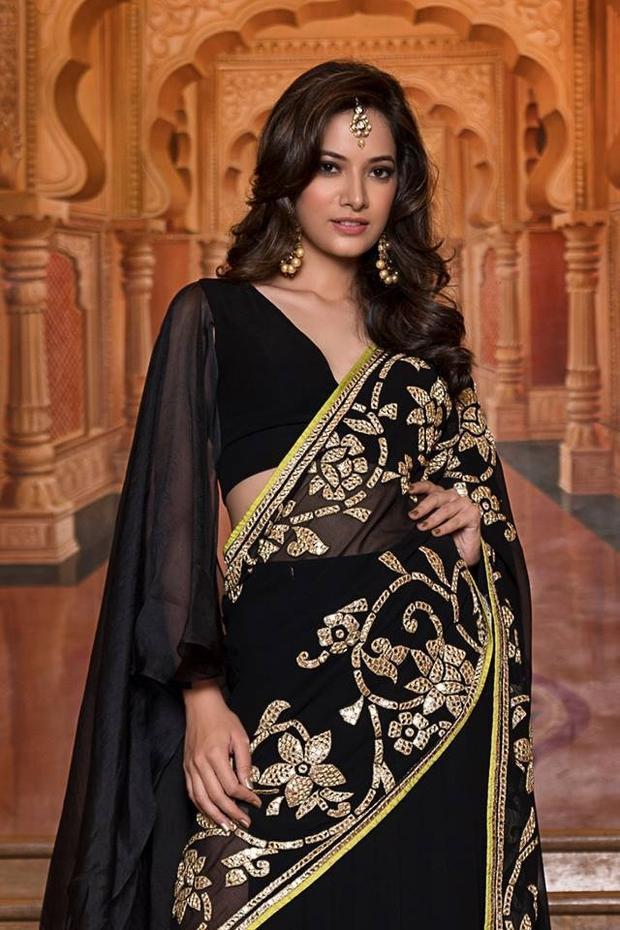 """Swattee Thakur của bang Himachal Pradesh. Cô năm nay 23 tuổi, cao 1m71.Đêm chung kết sẽ diễn ra vào ngày 19/6 tới. Sau lần chiến thắng Miss World - Hoa hậu thế giới vào năm ngoái, nhan sắc nào sẽ là đại diện tiếp theo của Ấn Độ tham gia """"đấu trường nhan sắc"""" này?"""