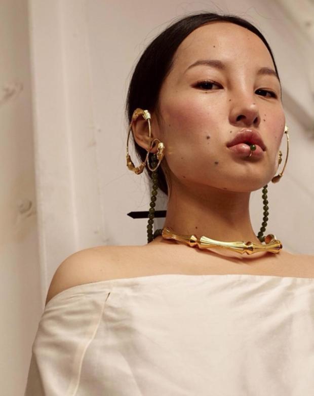 Cô gái Tây Tạng khiến dân mạng xôn xao vì nhan sắc độc lạ như phim Avatar