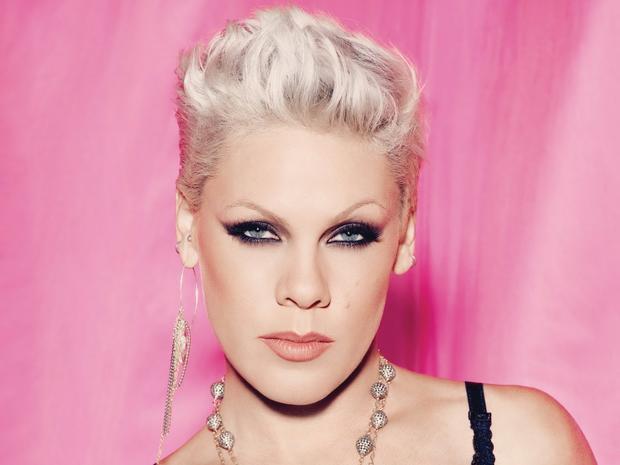 Sau 16 năm, mối thâm thù kinh thiên động địa giữa P!nk và Christina Aguilera đi đến hồi kết?