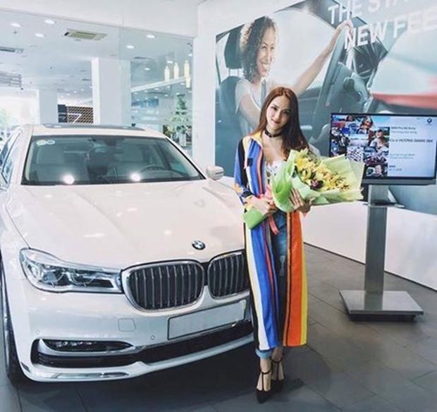 Sau 3 tháng đăng quang tại Miss International Queen, Hương Giang tiếp tục tậu xế hộp tiền tỷ