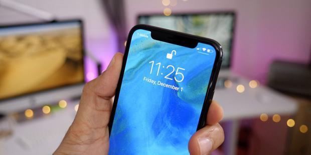 iPhone mới sẽ được ra mắt vào tháng 9 tới đây. Động thái giảm giá đồng loạt tại một số đơn vị phân phối uỷ quyền này của Apple có thể thể hiện mong muốn kích cầu tại thị trường Việt Nam trước khi iPhone mới trình làng.