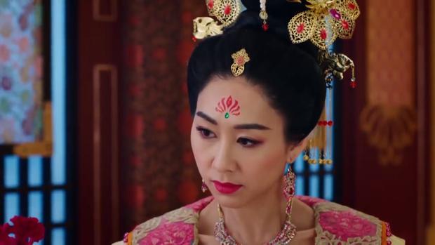 """Hoàng hậu Vương Trân muốn cắt bỏ """"đóa hoa dại"""" Nguyên Nguyệt?"""