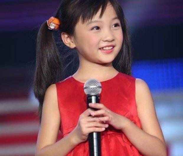 Diệu Khả nổi tiếng khắp châu Á khi là người được chọn hát khai mạc trong Thế vận hội Olympic Bắc Kinh 2008.
