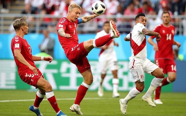 Đội tuyển Peru liên tục tạo ra những tình huống nguy hiểm ngay từ đầu trận.