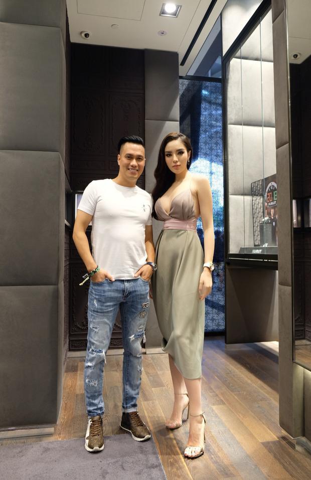 Kỳ Duyên và Việt Anh trò chuyện khá vui vẻ, dù ban đầu cô gọi anh thành… Phan Hải.
