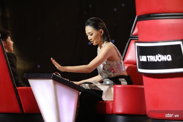 Không chỉ HLV Thu Phương, cô nàng Tóc Tiên cũng háo hức có được chàng trai thú vị này trong team của mình.