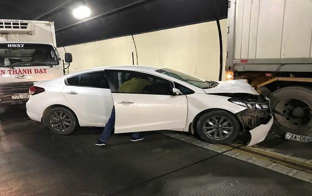 Hiện trường vụ tai nạn liên hoàn.