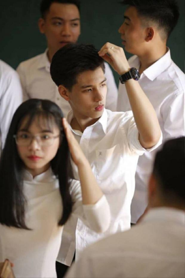 Em trai Sơn Tùng M-TP và loạt nam sinh đẹp xuất thần này sắp cùng nhau bước vào kỳ thi THPT quốc gia 2018