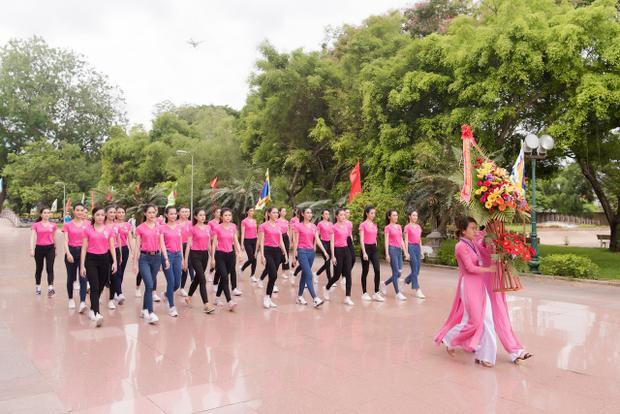 Vẻ ngoài mong manh là thế nhưng hãy xem thí sinh Hoa hậu Việt Nam 2018 luyện võ đây này!