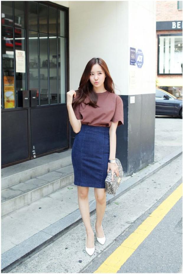 Đây là mẫu chân váy cơ bản dễ tìm mua ở các shop thời trang.