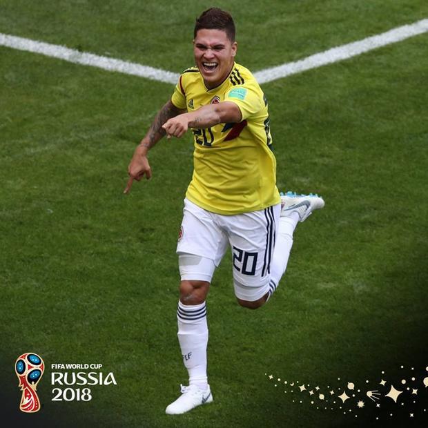 Colombia gỡ hòa 1-1 trong hiệp 1 sau tình huống đá phạt trực tiếp thông minh. Ảnh: FIFA