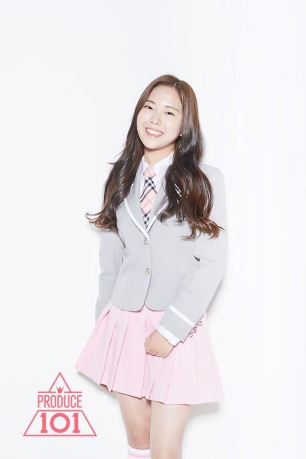 Kim Seokyung - cô nàng bước ra từ Produce 101 mùa đầu, thành viên được công bố đầu tiên trong đội hình GWSN.