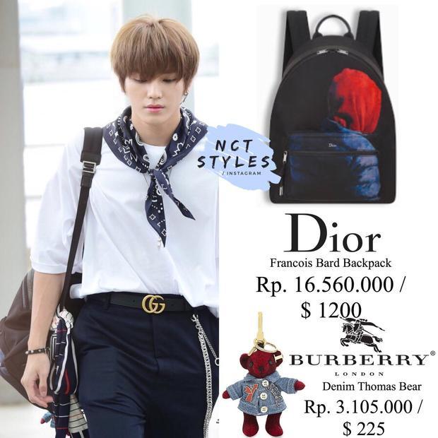 Ba lô của hãng Dior có giá 27 triệu VNĐ. Chiếc móc khóa bé xinh hình gấu Thomas hãng Burberry hơn 5 triệu VNĐ.