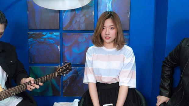 Fanny là cái tên không còn lạ lẫm gì với giới trẻ Việt khi mới đây, cô nàng đã có sự kết hợp cùng Thanh Duy trong MV Người lạ thân quen phiên bản đặc biệt.