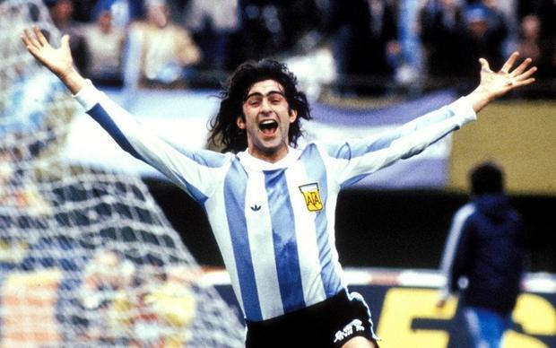 Mario Kempes từng vô địch World Cup năm 1978 cùng đội tuyển Argentina.