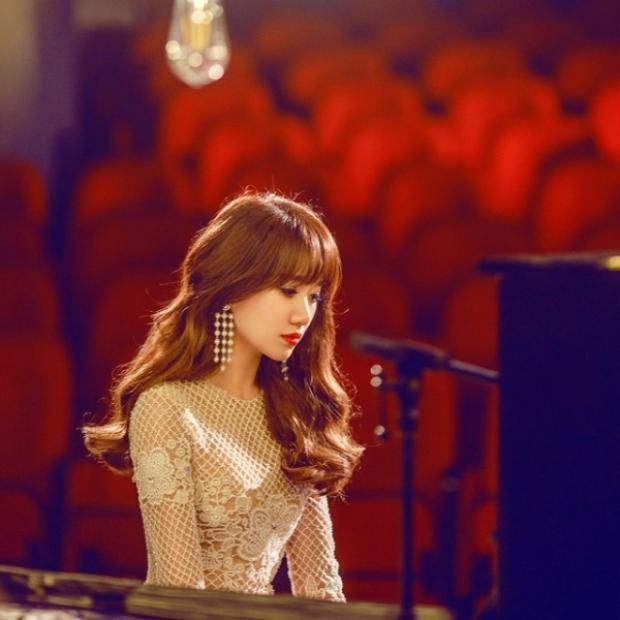 Nữ ca sĩ cho biết mình đã tập luyện kỹ lưỡng hơn nhiều về cách phát âm và kỹ thuật hát để có được sự tiến bộ.