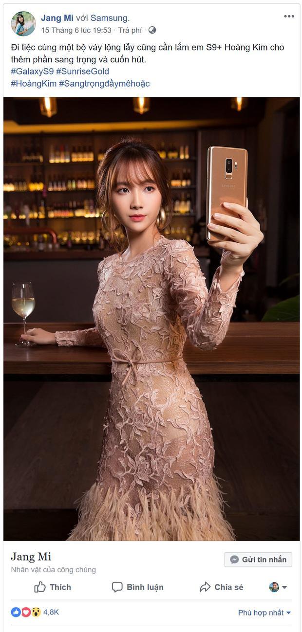 Thánh nữ Bolero Jang Mi như lột xác thành một nàng công chúa kiêu sa, lộng lẫy trong set đầm dạ hội và smartphone Hoàng Kim Galaxy S9+.