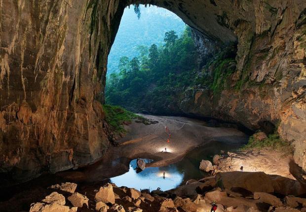 Thám hiểm hang Sơn Đoòng là một trong những hành trình được nhiều du khách nước ngoài chọn lựa khi đến Việt Nam. Ảnh: Internet