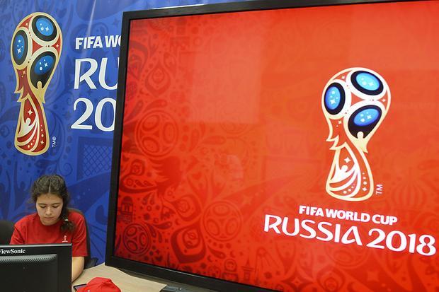 Fox và Telemundo là những nhà đài lần đầu có bản quyền phát sóng World Cup. Thế nhưng, với việc Mỹ không thể đến Nga tham dự ngày hội lớn nhất hành tinh, niềm vui của các nhà đài này không thể trọn vẹn.