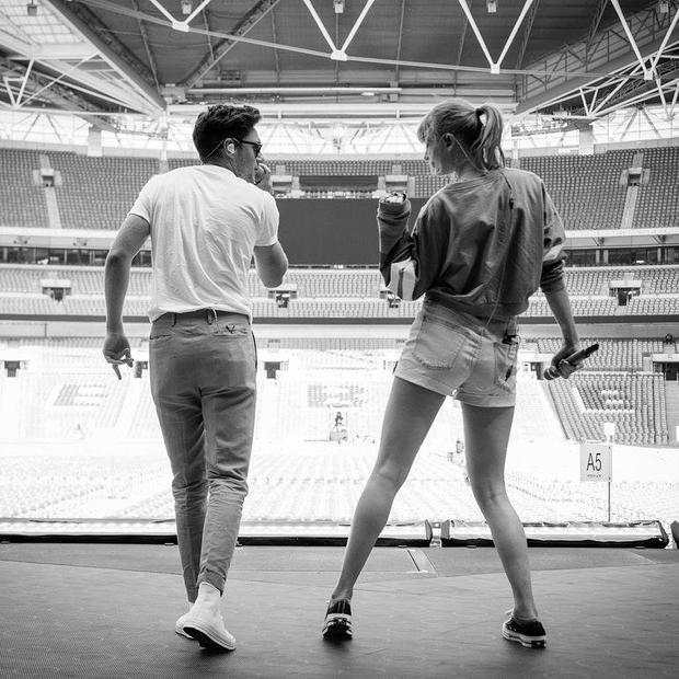 Mảnh ghép của One Direction tái hợp trên sân khấu Reputation Tour London cùng Taylor Swift