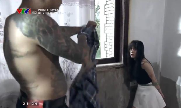 Chỉ mới tập phim thứ 2, Quỳnh đã suýt bị cưỡng hiếp.