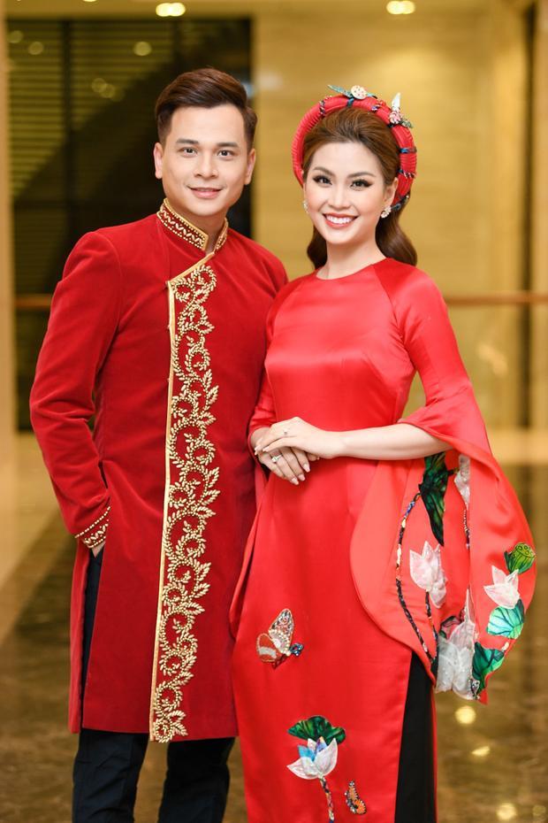 Á hậu Diễm Trang và Danh Tùng là MC chính của chương trình tối nay.