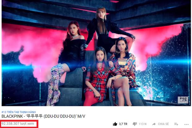 MV Ddu-du Ddu-du phát hành chỉ hơn 8 ngày nhưng lượng view đã vượt con số 90 triệu khiến BlackPink trở thành nhóm nhạc nữ Hàn Quốc đầu tiên làm được điều này.