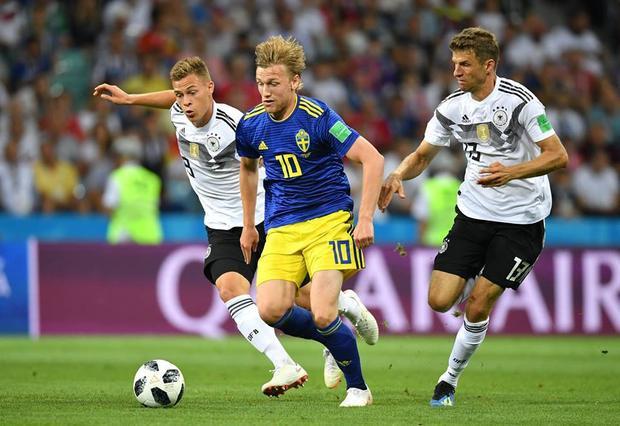 Thậm chí, Thụy Điển còn không ít lần gây sóng gió lên khung thành thủ môn bên kia chiến tuyến.